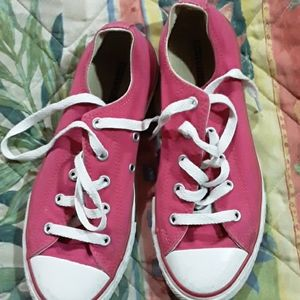 Girl shoes Converse